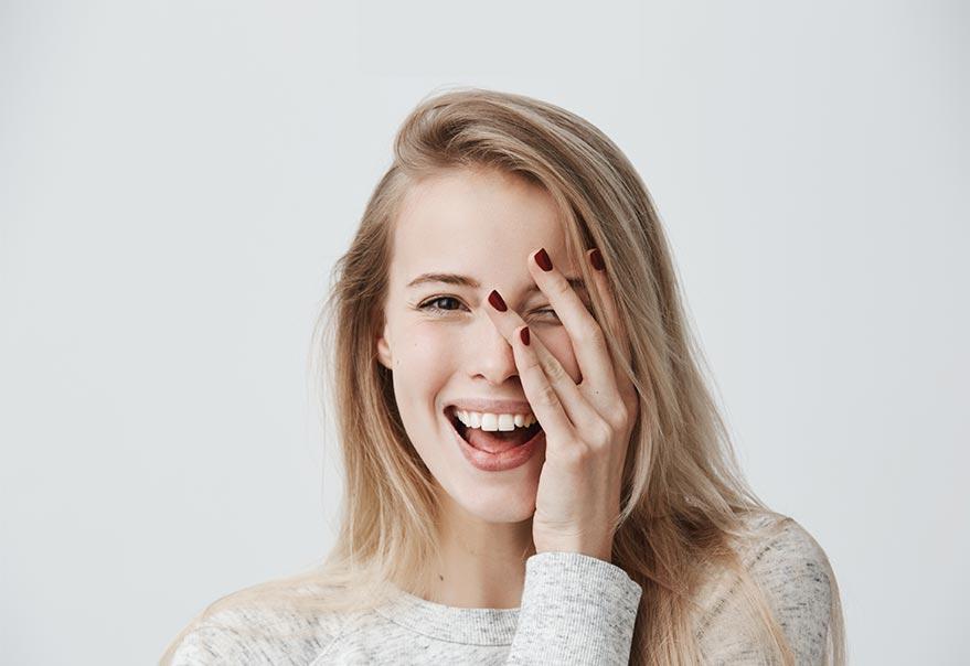 Mejora tu sonrisa gracias al blanqueamiento dental